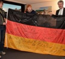 Mit der Deutschlandfahne zu Olympia