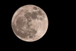 Mond - Fakten und Mythen