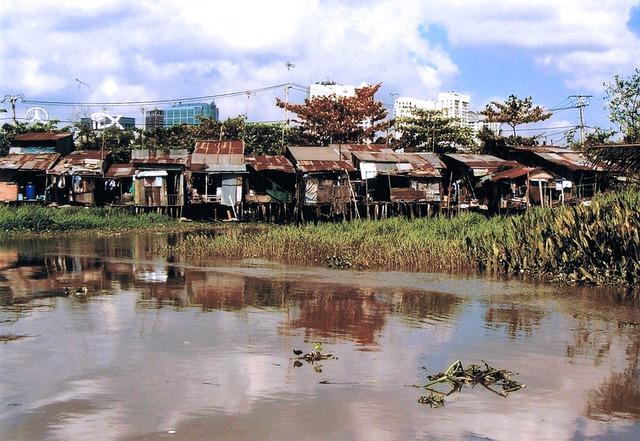Slum Saigon