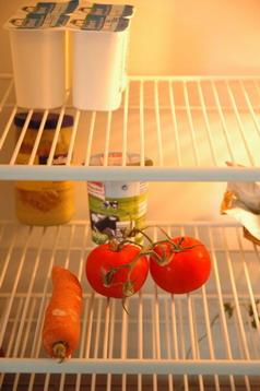 Wenn es so im eigenen Kühlschrank aussieht, fällt abwechslungsreiches Essen schwer.